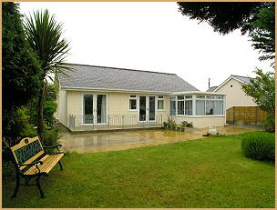 Porthmadog - North Wales. Ty Hapus - Self catering bungalow with ceiling track hoist
