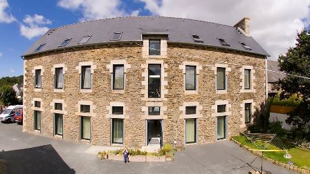I Need a Holiday Too - Brittany France - Accessible accommodation with a ceiling hoist