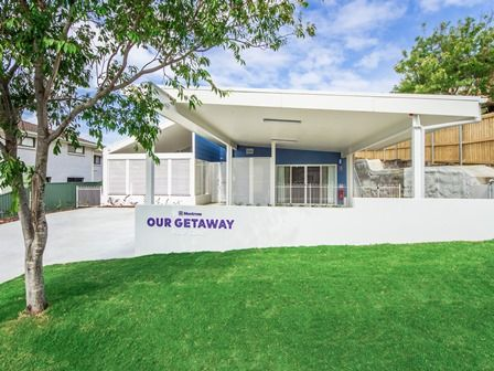 Our Getaway, Gold Coast, QLD, Australia - 2 4 & 6 Bedroom accommodation with a ceiling track hoist